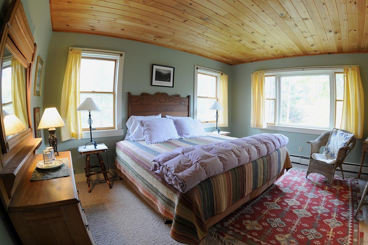 Beede Suite twin bed room view