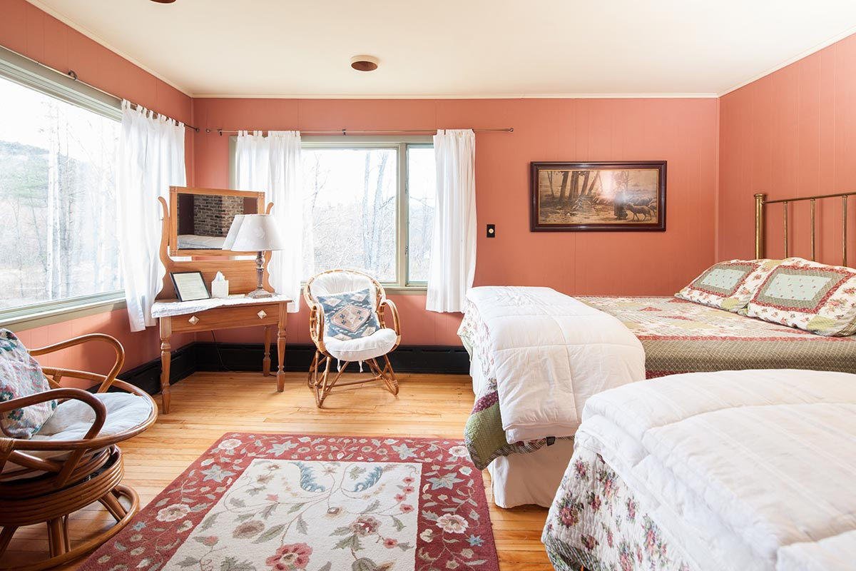 Room 7's large, sunny corner bedroom