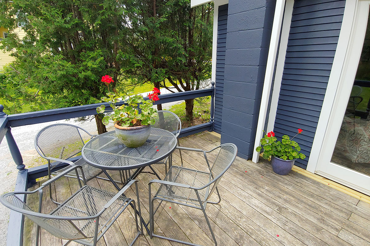 Phelps Cottage front porch